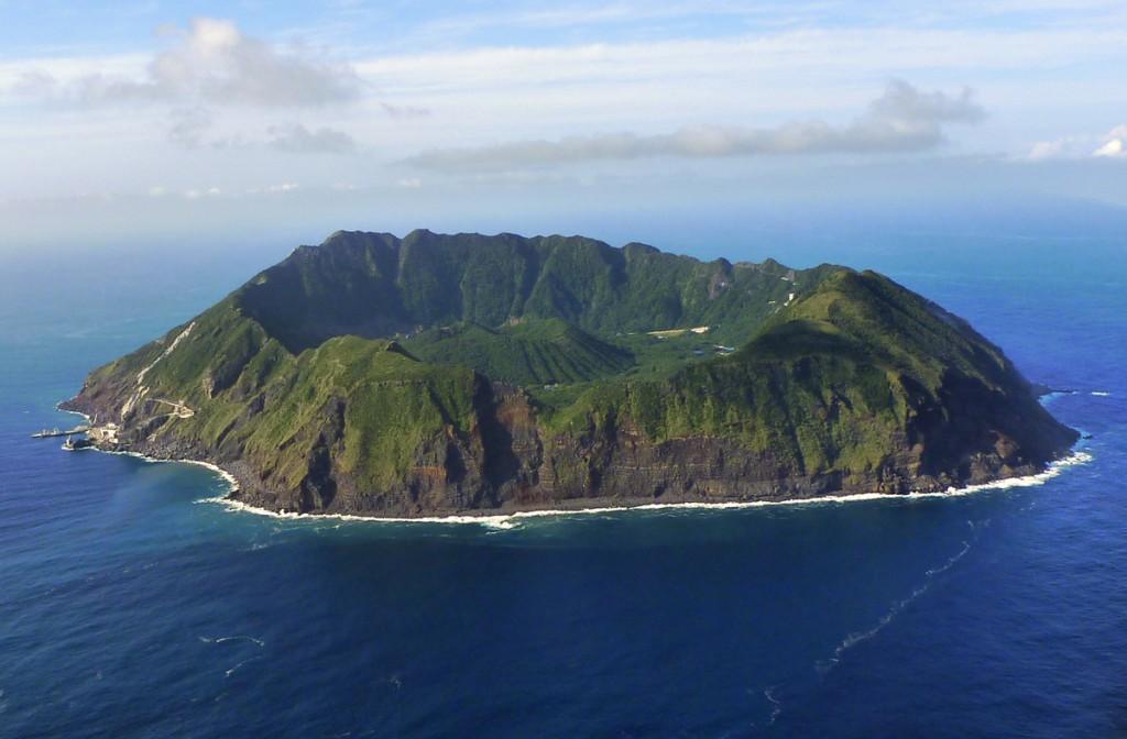 これぞ絶海の孤島・・・青ヶ島に行きたい!いや、行く。