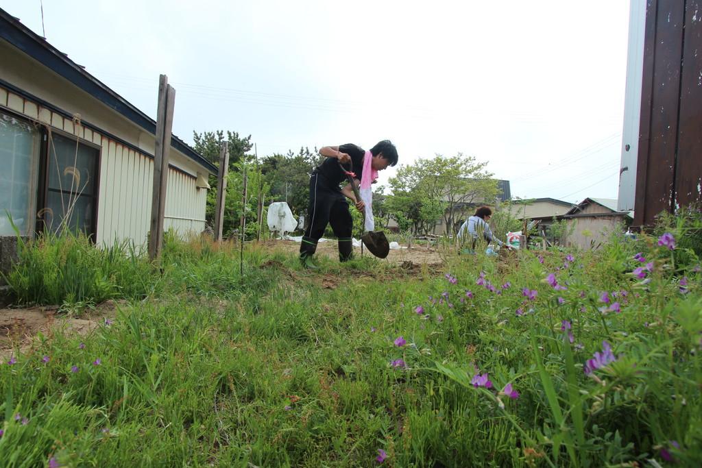 【日本一周】耕作放棄地を整地してみた!リアルで草ブロックが出現。農作業が楽しすぎる。