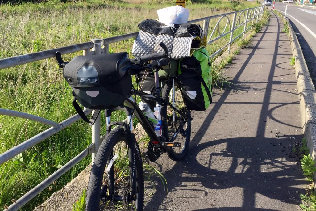 【日本一周】秋田県に突入!いつも使っていた自転車でここまで来れた。日常を旅先に持ち込むと、不思議な気持ちに陥る。