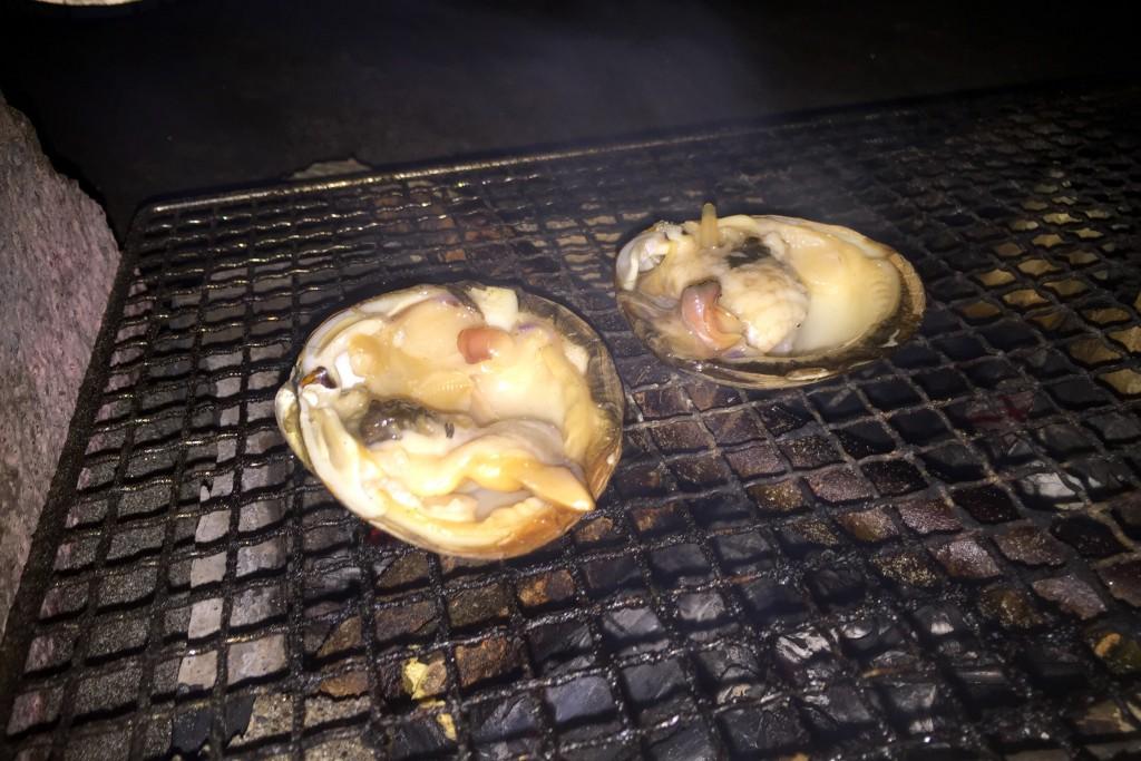 【日本一周】北海道名産「ほっき貝」をたき火で焼いていただく。たまらん!旅をする意味をもう一度考えてみた。