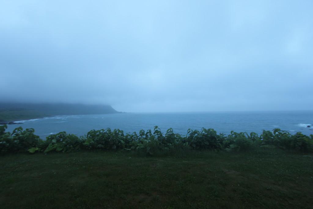 【日本一周】霧雨と突風のオホーツクライン。どれだけ仮面を被っても「地球上に生きている」という事実は変わらない。