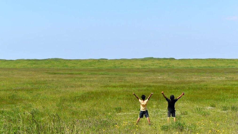 【日本一周】最果ての地で全力ジャンプ!ノシャップ岬に集う6人の旅人たち。