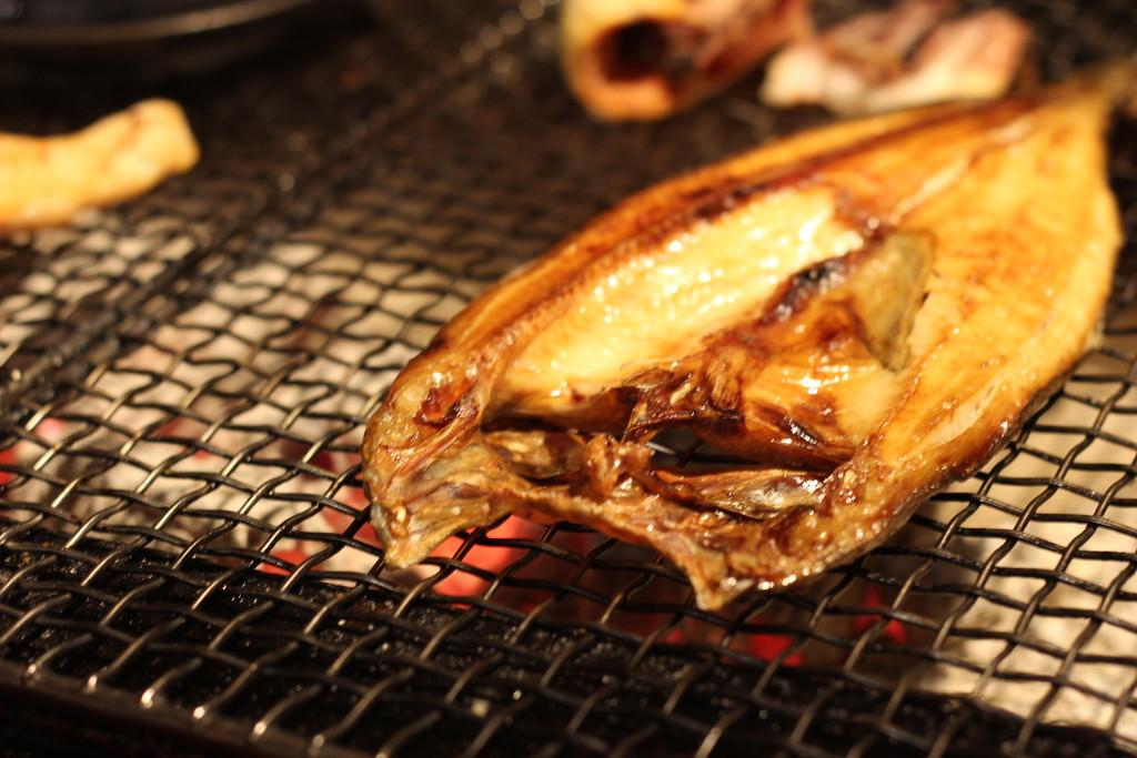 【日本一周】釧路の有名グルメ「炉ばた焼き」をいただくことに。魚貝類うまー!生活水準大向上の巻。