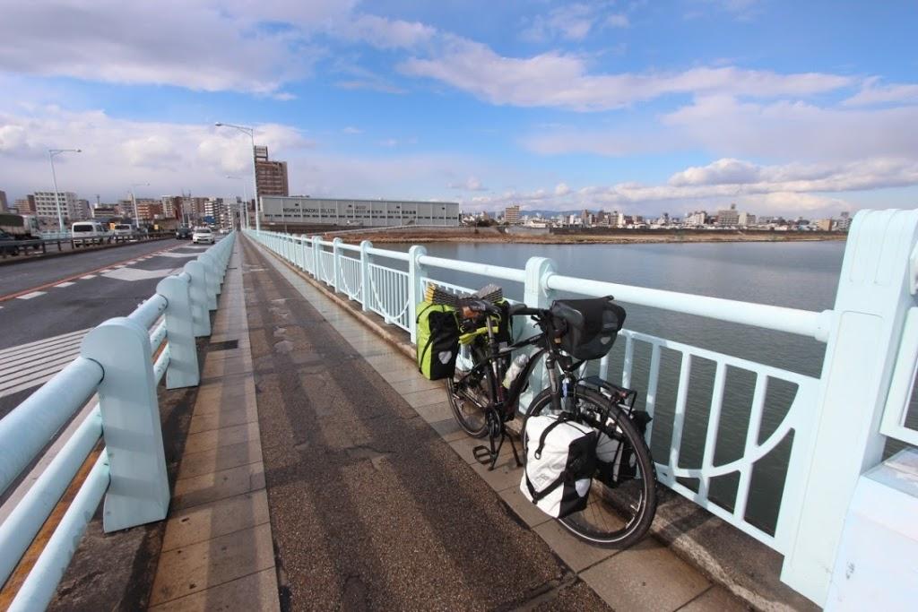 【日本一周】自転車日本一周の旅、本日再開!久しぶりに夕日を浴びて気持ちいい。【西宮市〜泉佐野市】