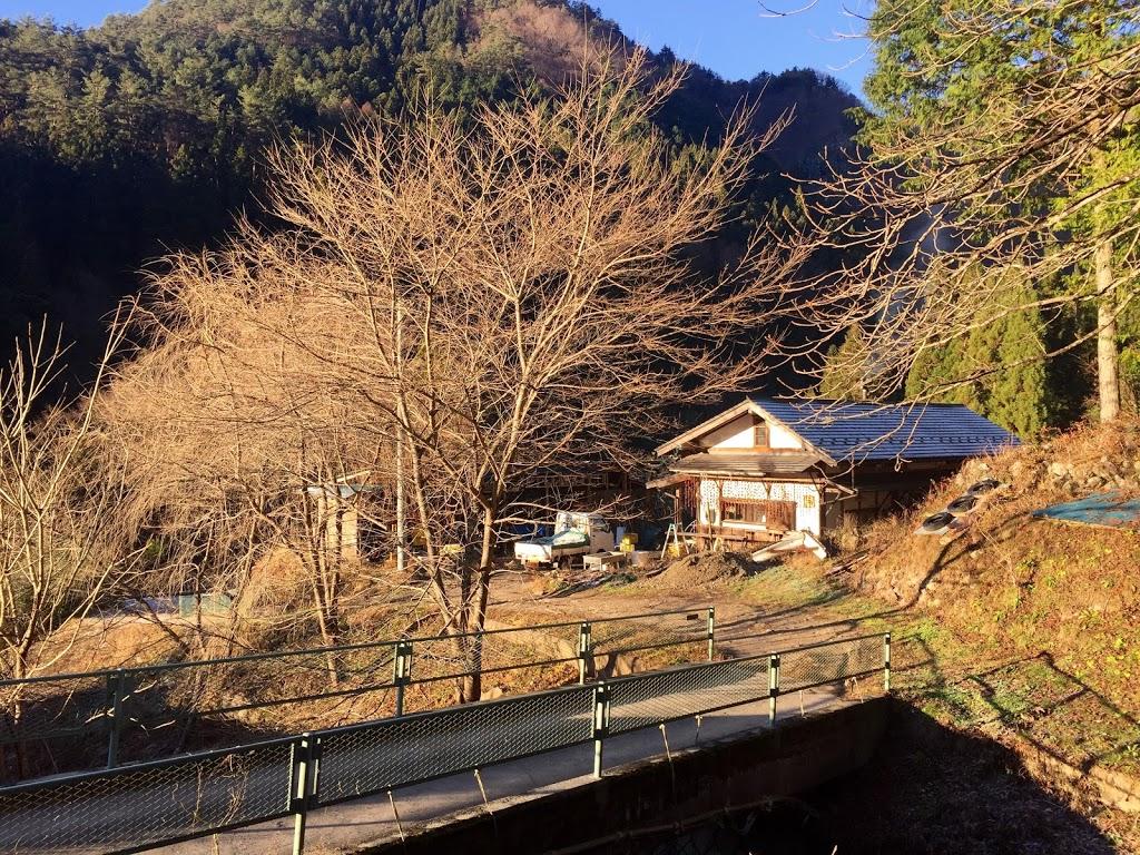 長野県の山奥で自給自足生活!森を開拓した「現代の仙人」に会ってきたよ。【長野県阿南町】