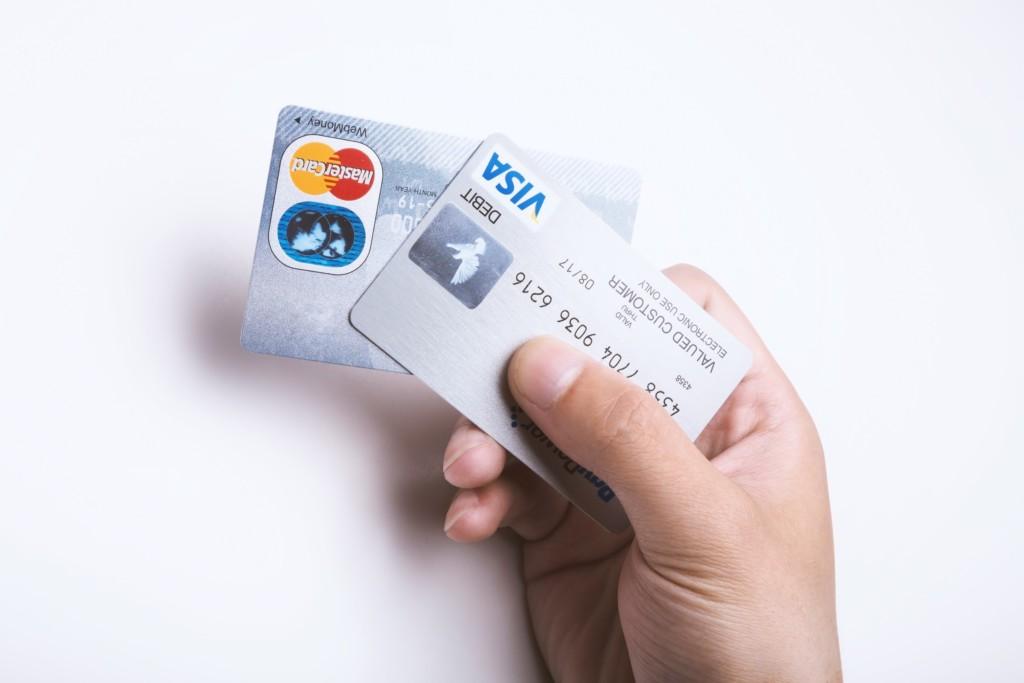 海外旅行でクレジットカード付帯保険は本当に使える?保証内容と範囲を徹底的に調べてみた