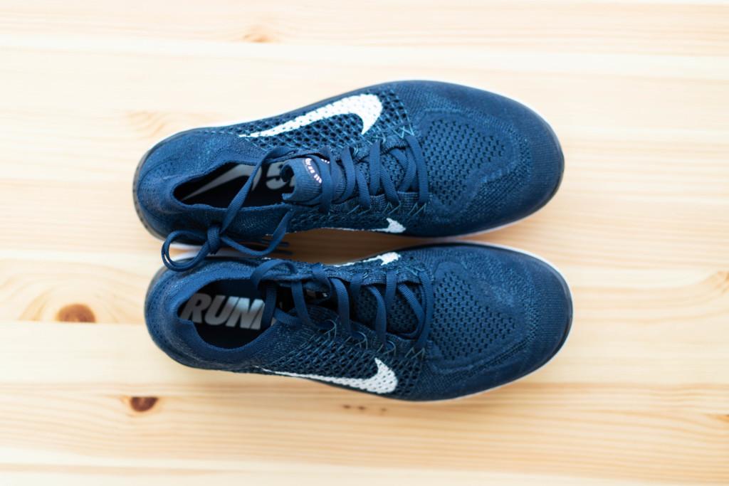【快適に街歩き可能】海外旅行に最適な靴まとめ【おすすめシューズ2種】