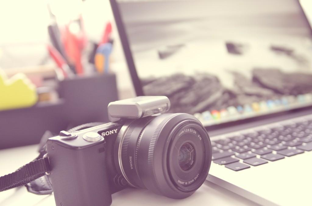 ブログとYouTubeってどっちが稼げる?プロブロガー・YouTuberが徹底考察